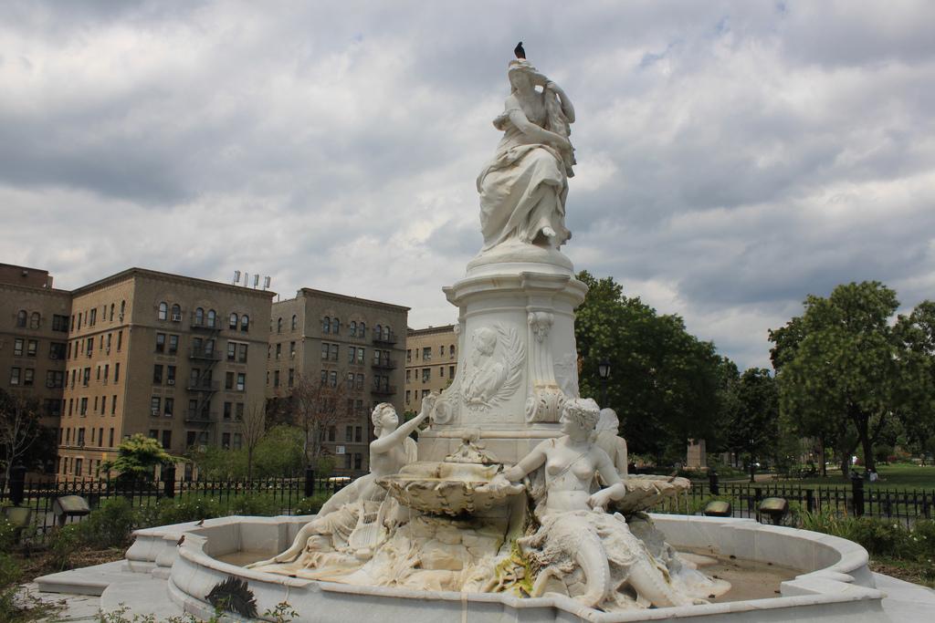Heinrich Heine Fountain (Lorelei Fountain)