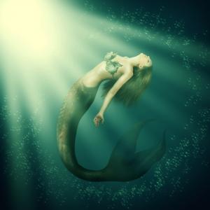 mermaid-swimming-in-water